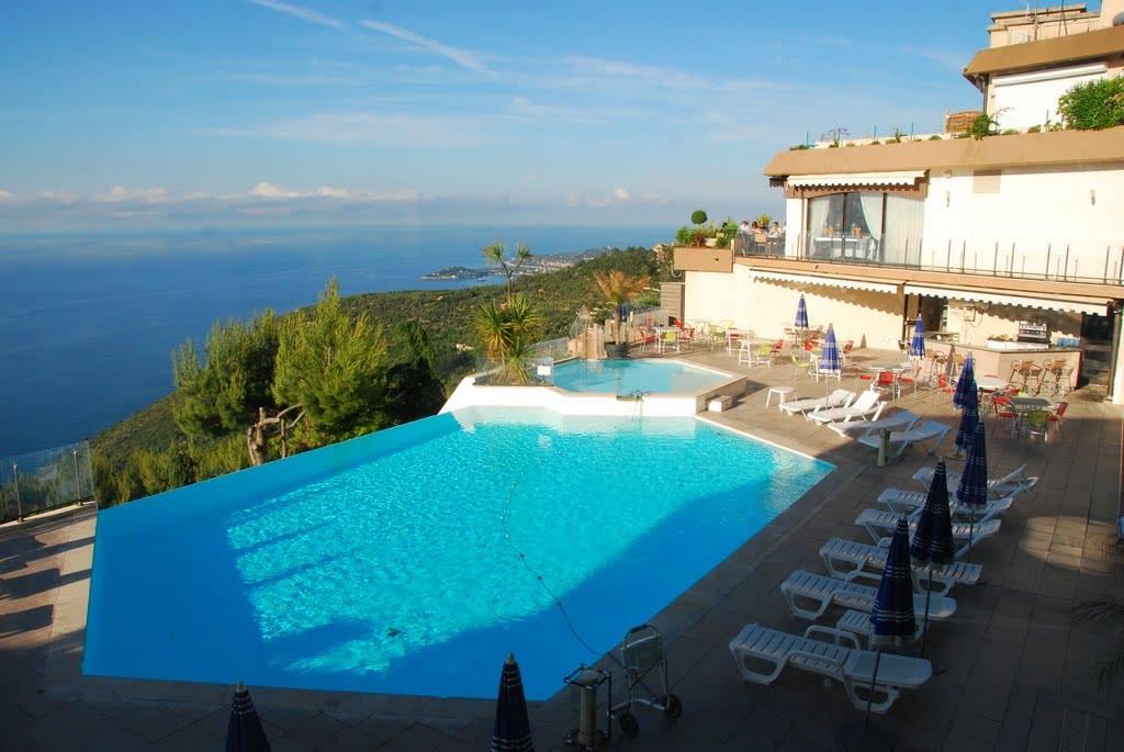 piscine les terrasses d'eze côte d'azur