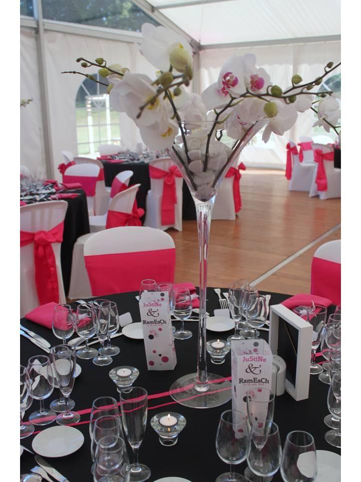 Décoration de mariage noir et rose
