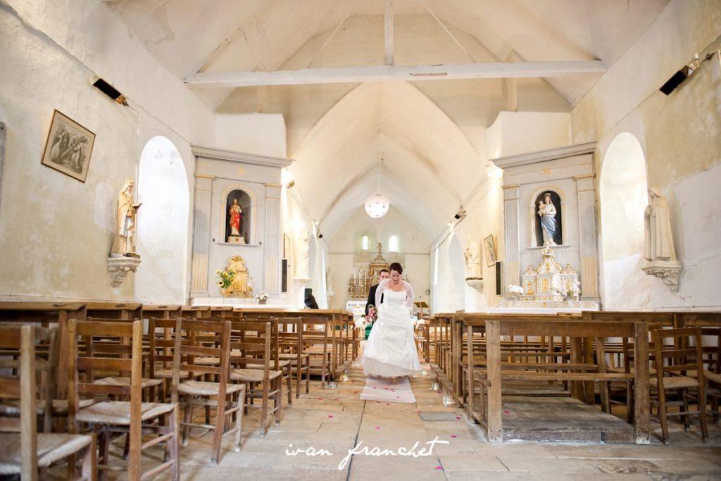 Décoration allée église