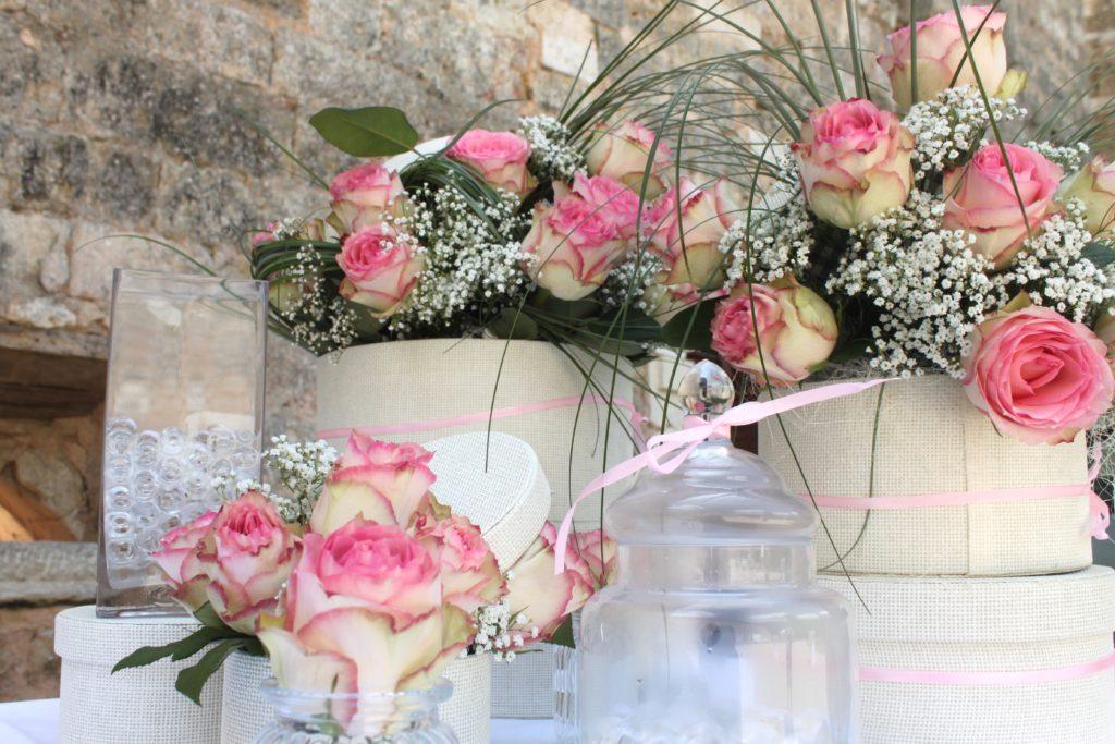 décoration du buffet bouquets de roses