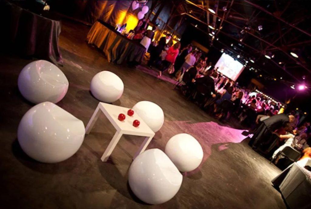 Ball chair mariage