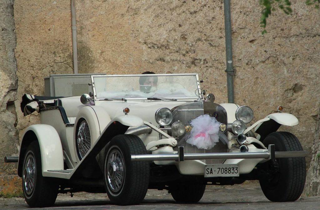 Vieille voiture mariage
