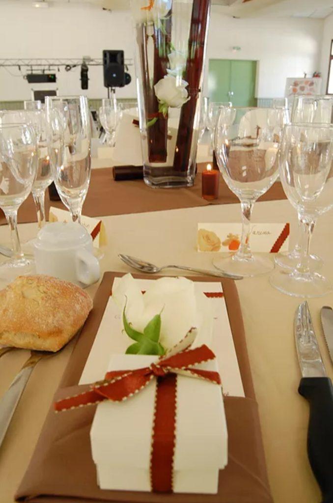 Détail serviette table mariage