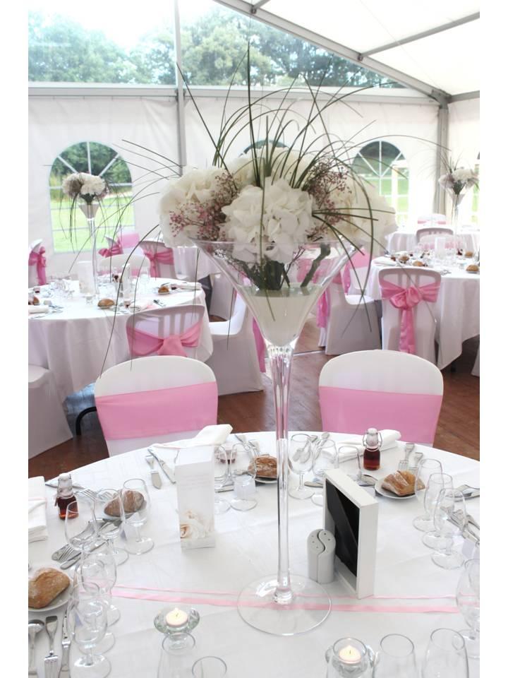 Décoration de salle mariage rose blanche
