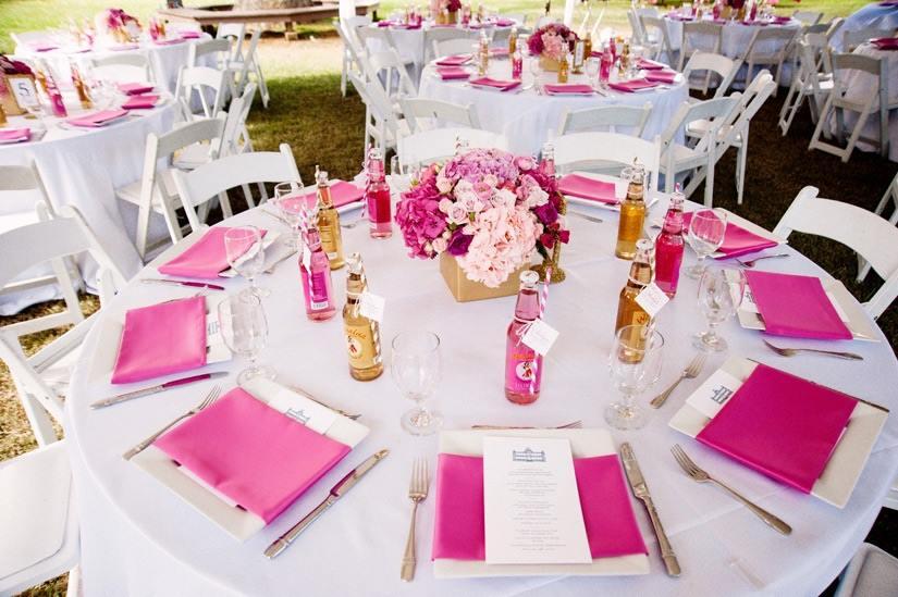 serviettes de table roses